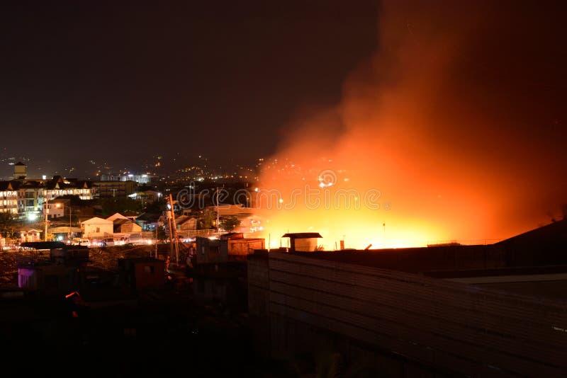 2018年2月20日7:20 pm火在帕西格菲律宾 免版税库存图片