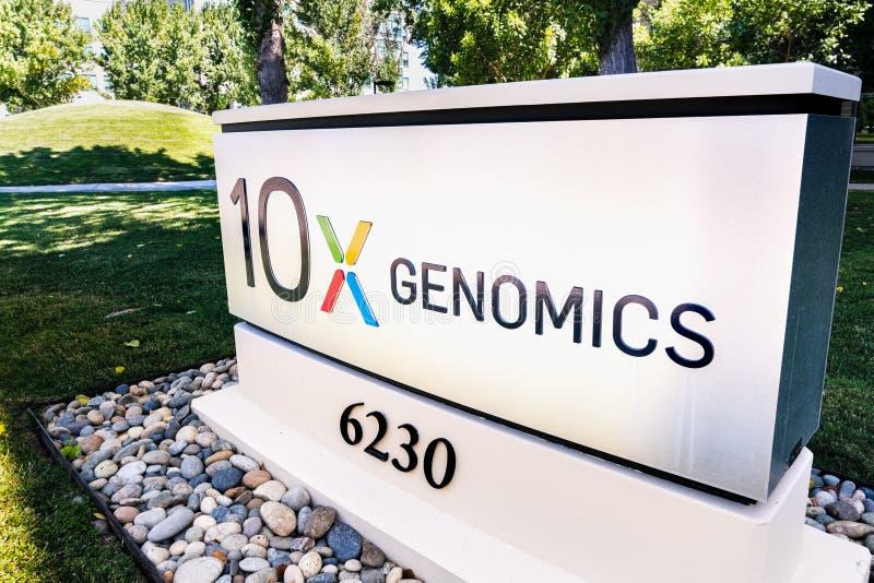 2019年8月25日Pleasanton / CA /美国 — 10x Genomics公司位于硅谷总部;10x基因公司是美国的生物技术 免版税图库摄影