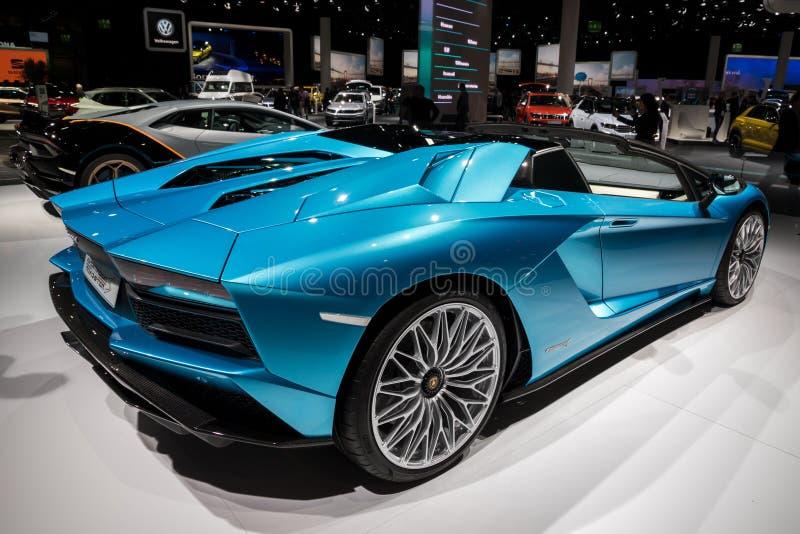2018年Lamborghini Aventador S跑车跑车 库存照片
