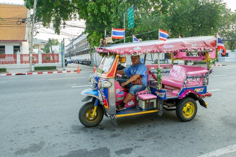 幻想Tuk曼谷泰国,跑在曼谷,泰国的三轮车tuk-tuk Tuk  免版税库存照片