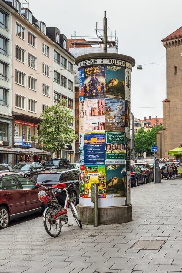广告栏在慕尼黑,德国 免版税库存图片