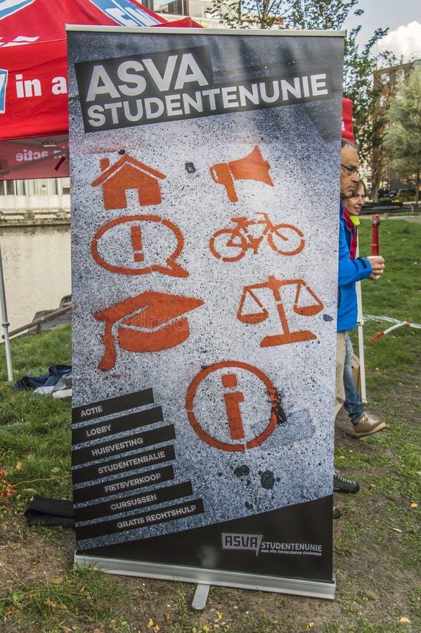 广告牌在UVA学生抗议的ASVA大学生联盟反对在教育的裁减 所有在荷兰相似的抗议Wil附近 库存照片