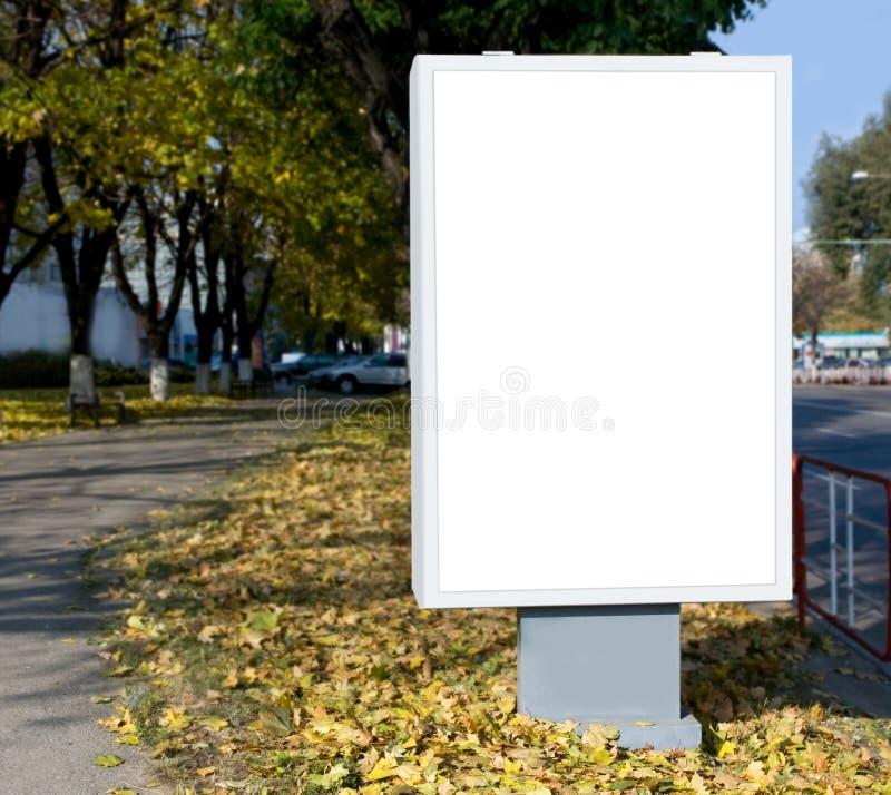 广告牌空白垂直 免版税库存图片