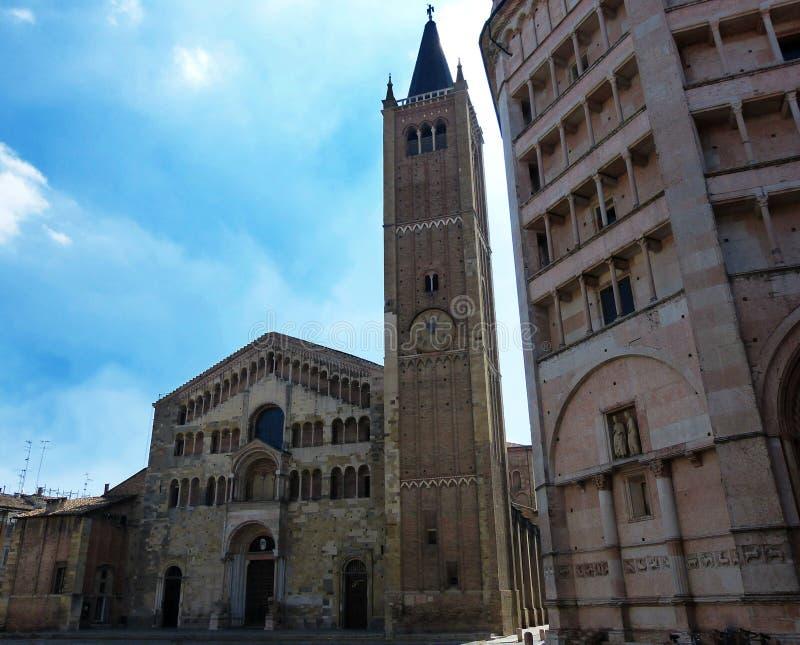 广场中央寺院、大教堂和洗礼池,帕尔马,意大利 库存照片