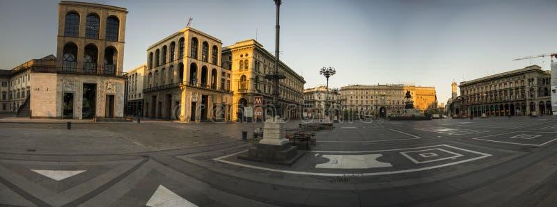 广场中央寺院在米兰,意大利 免版税库存图片