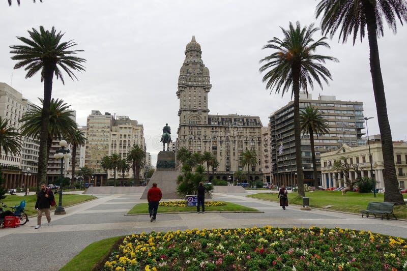 广场独立岛在蒙得维的亚,乌拉圭 免版税库存照片