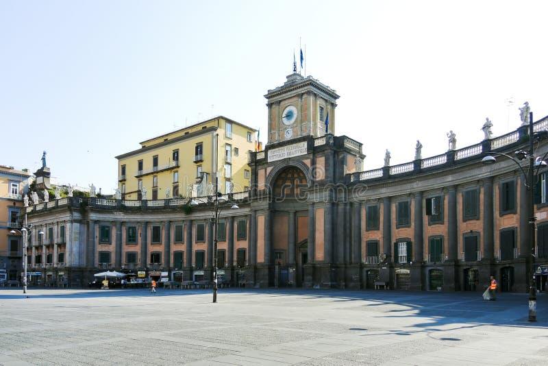广场的但丁・阿利吉耶里,那不勒斯国立学院 图库摄影