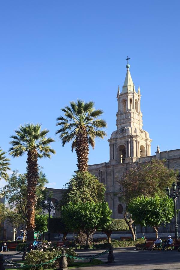 广场da阿玛斯和大教堂大教堂在阿雷基帕,秘鲁 免版税图库摄影