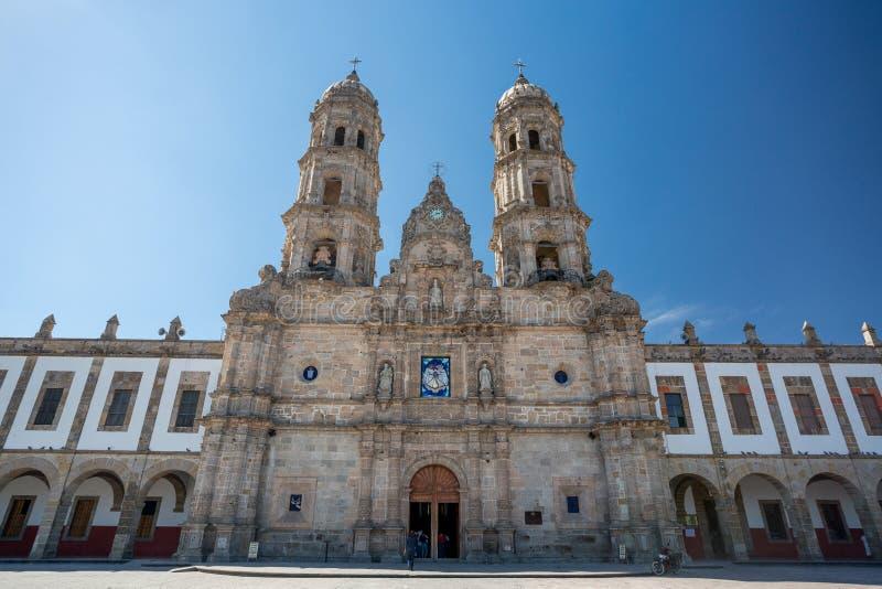 广场de las美洲和教会, Zapopan,瓜达拉哈拉,墨西哥 免版税库存图片