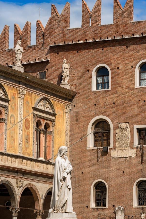 广场dei维罗纳威尼托意大利绅士- 免版税库存照片