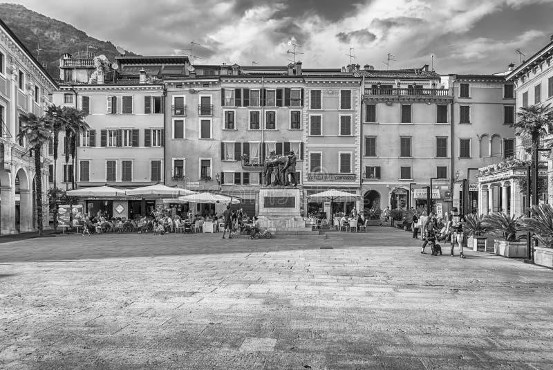 广场della Vittoria,偶象正方形在Salo,加尔达湖,意大利 库存照片
