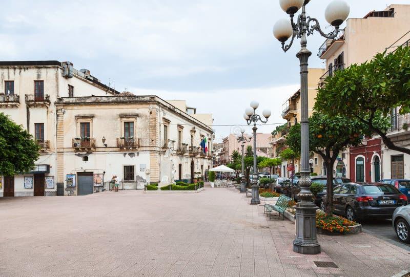 广场Municipio在Giardini纳克索斯镇 免版税库存图片