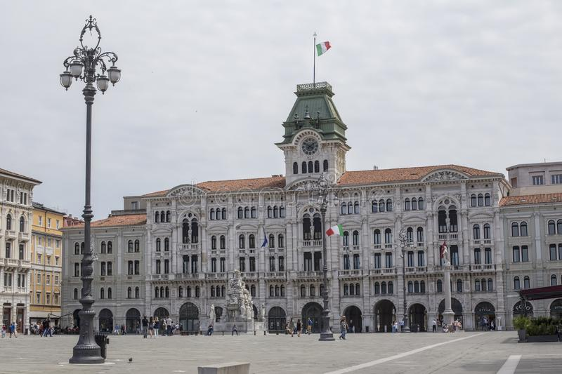 广场Unita的d'意大利的里雅斯特政府大厦在意大利 免版税库存照片