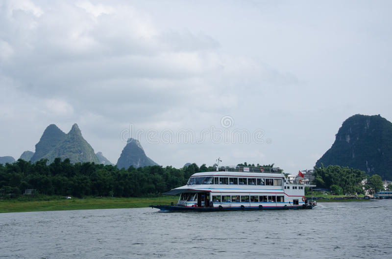 Download 广西,省,中国 库存图片. 图片 包括有 风景, 绿色, ,并且, 天空, beautifuler, 的treadled - 59110263