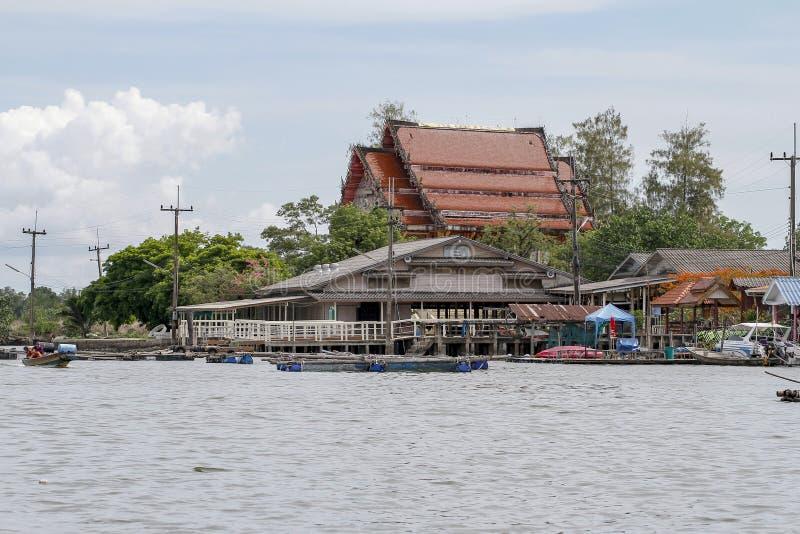 庄他武里府,泰国6月1,2019:渔村名字NO-土地村庄庄他武里府,泰国 免版税库存照片