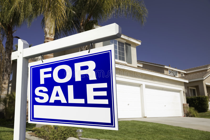 庄园房子实际销售额符号 免版税库存图片