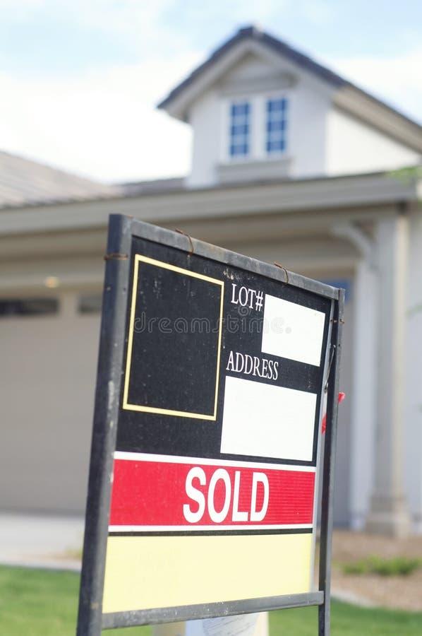 庄园被出售的销售额符号 免版税库存图片