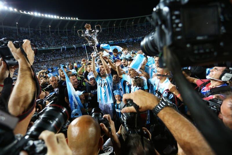 庆祝与他的队的利桑德罗・洛佩斯 免版税库存照片
