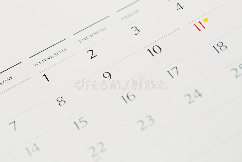 庆祝与别针的事件天 在日历概念的图钉繁忙的时间安排的组织 免版税库存照片