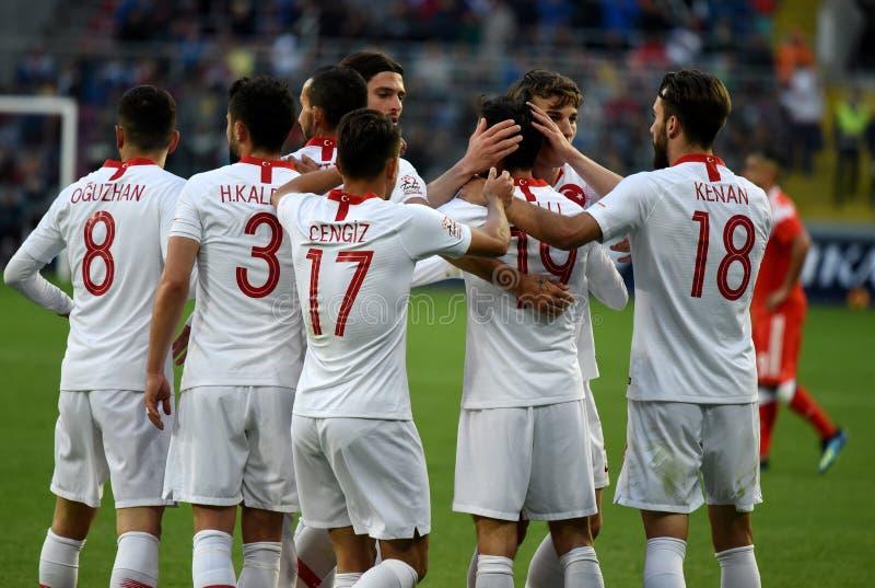庆祝目标的土耳其球员Yunus Malli在internat期间 免版税库存图片