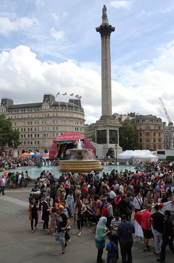 庆祝Eid的节日人们在特拉法加广场 免版税图库摄影