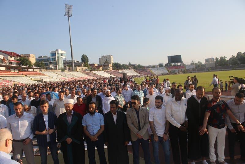 庆祝Eid AlFitr的穆斯林 免版税图库摄影