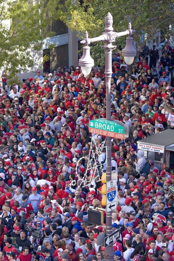 庆祝Phillies联赛胜利的费城费城人迷 库存照片