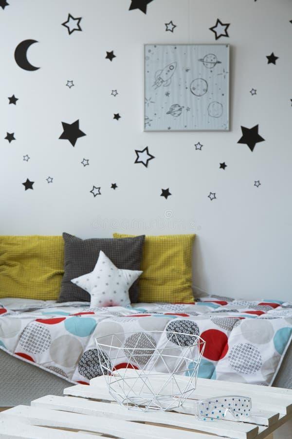 床对于儿童` s卧室 免版税图库摄影
