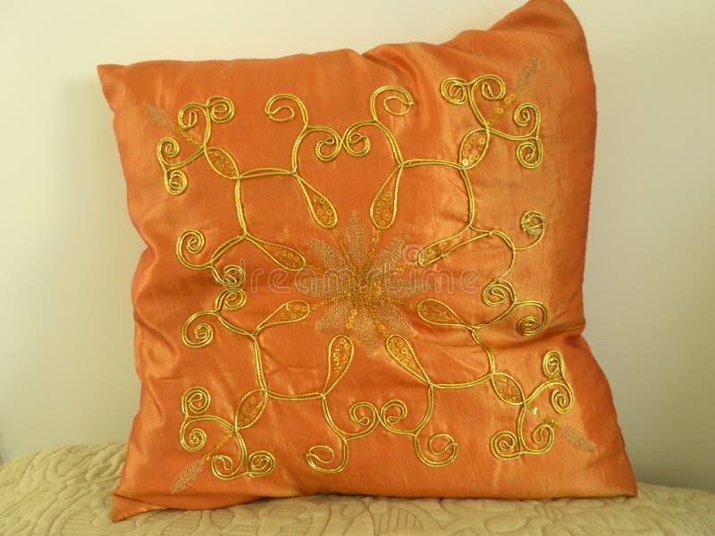 床项目,橙色与有些细节 库存图片