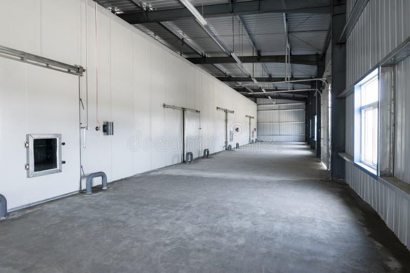 仓库冷冻机在工厂 免版税库存图片