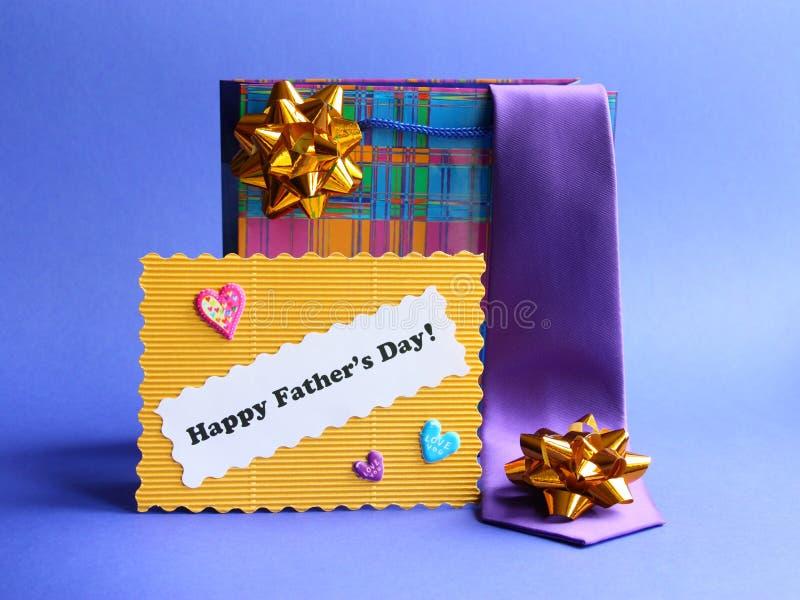 库存照片父亲节看板卡和礼品 免版税库存照片