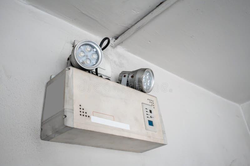 应急灯自动照明设备工作,当由batte的动力故障 库存照片