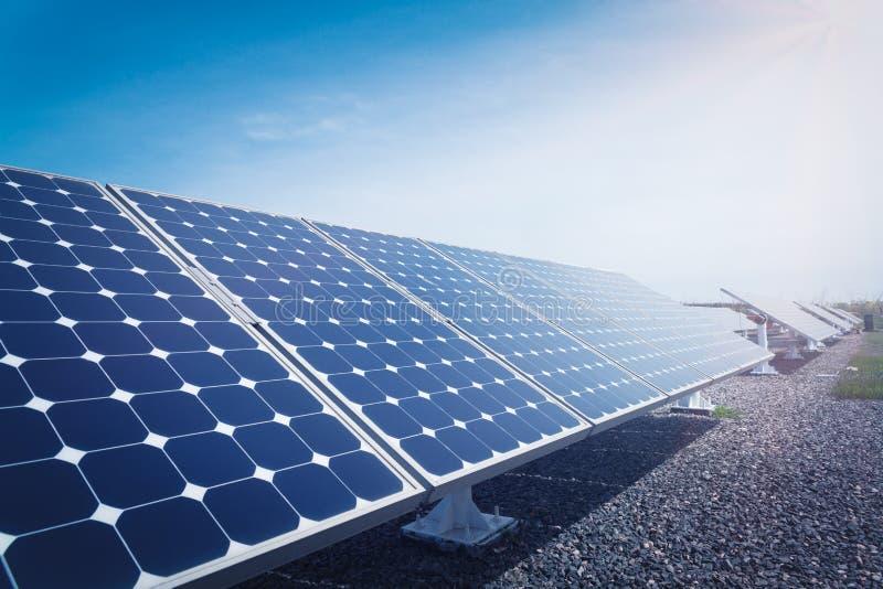 应用程序开发能源新的面板太阳全世界 免版税图库摄影