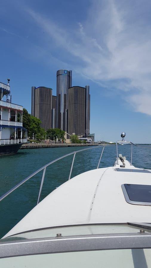 底特律河视图 免版税库存图片