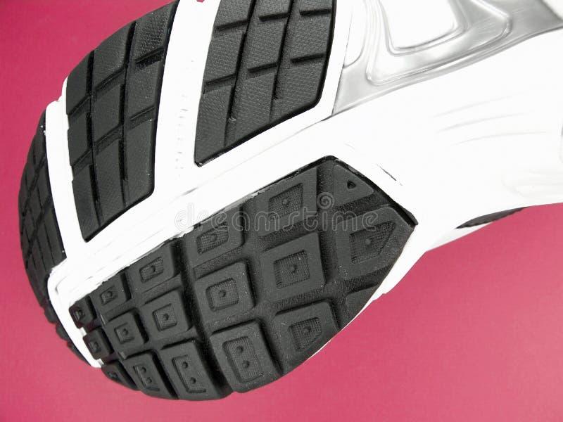 底部品牌特写镜头新的跑鞋 库存照片