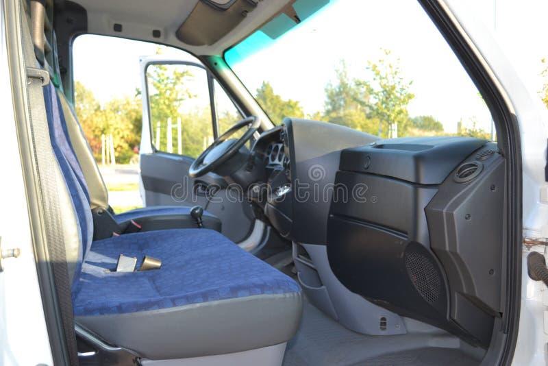 底部客舱驱动器内部位子卡车视图 免版税图库摄影
