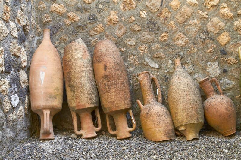从庞贝城的挖掘发布的瓦器在意大利 免版税库存图片