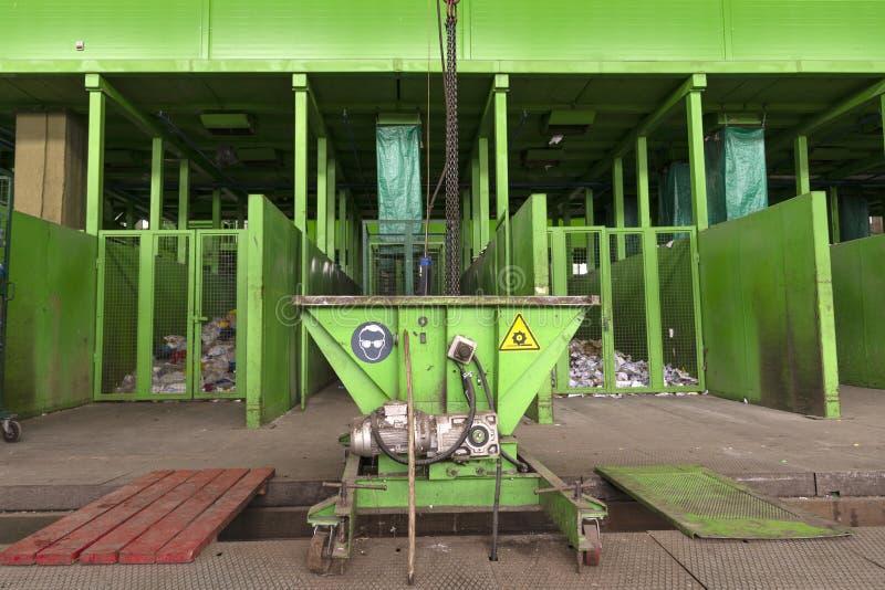 废加工设备 采纳的,存贮技术过程,排序和进一步处理废物的他们回收 免版税图库摄影