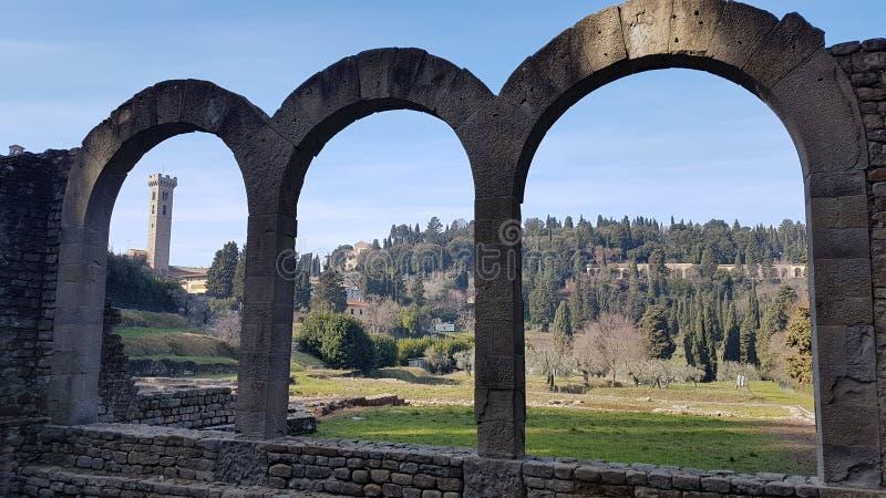 废墟在佛罗伦萨附近的菲耶索莱 免版税图库摄影