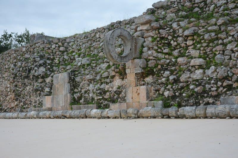废墟在古老玛雅站点乌斯马尔,墨西哥 图库摄影