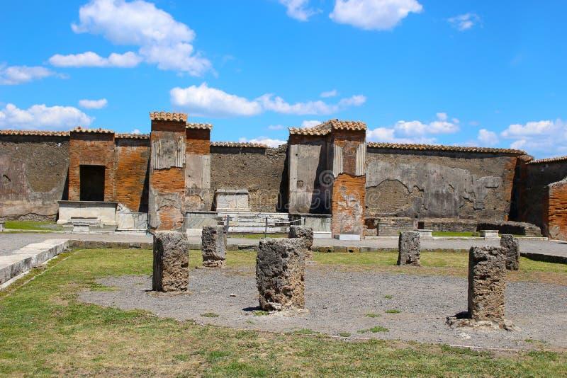 废墟在被埋没的庞贝城由火山以后在79AD在意大利,欧洲 库存照片