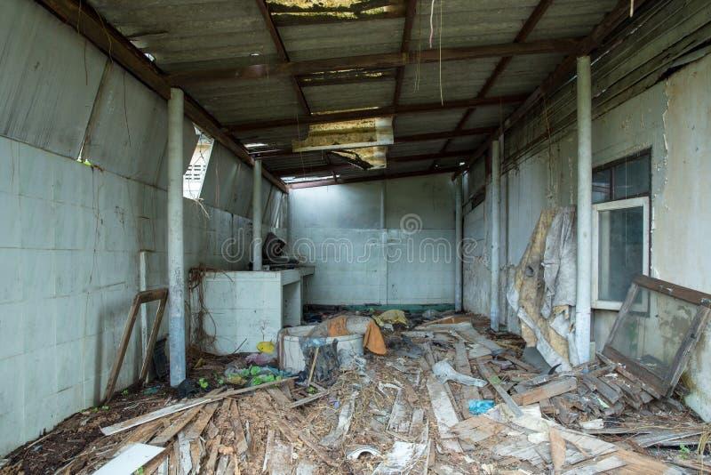 废墟安置肮脏的室 库存照片