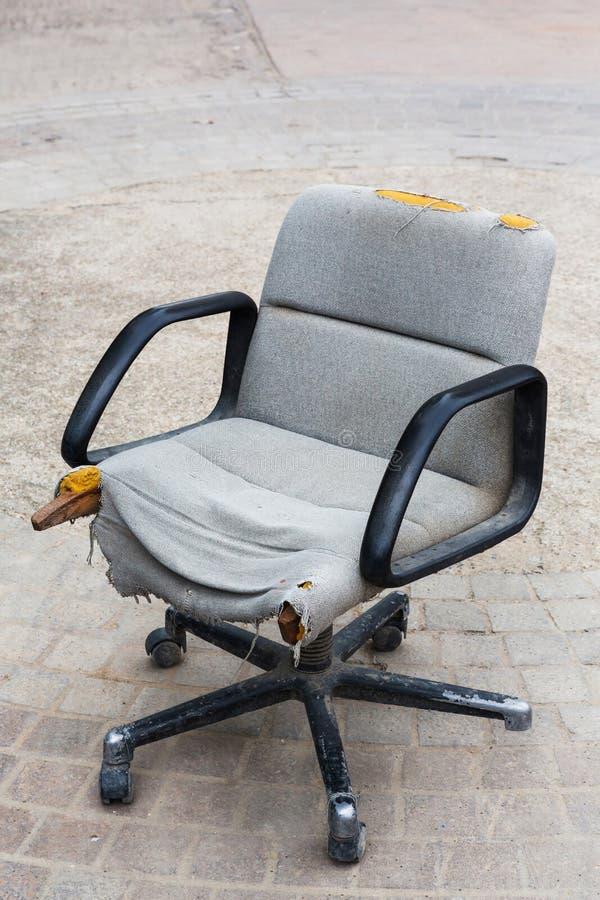 废墟椅子 库存照片