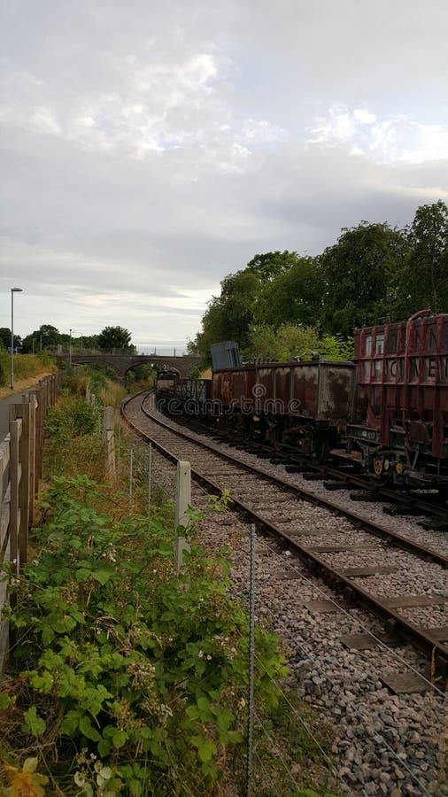 废弃的葡萄酒铁路线和蒸汽引擎 库存图片