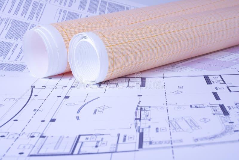 座标图纸在工程图背景滚动 免版税库存图片