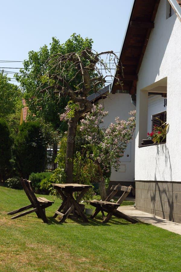 庭院和房子 库存图片