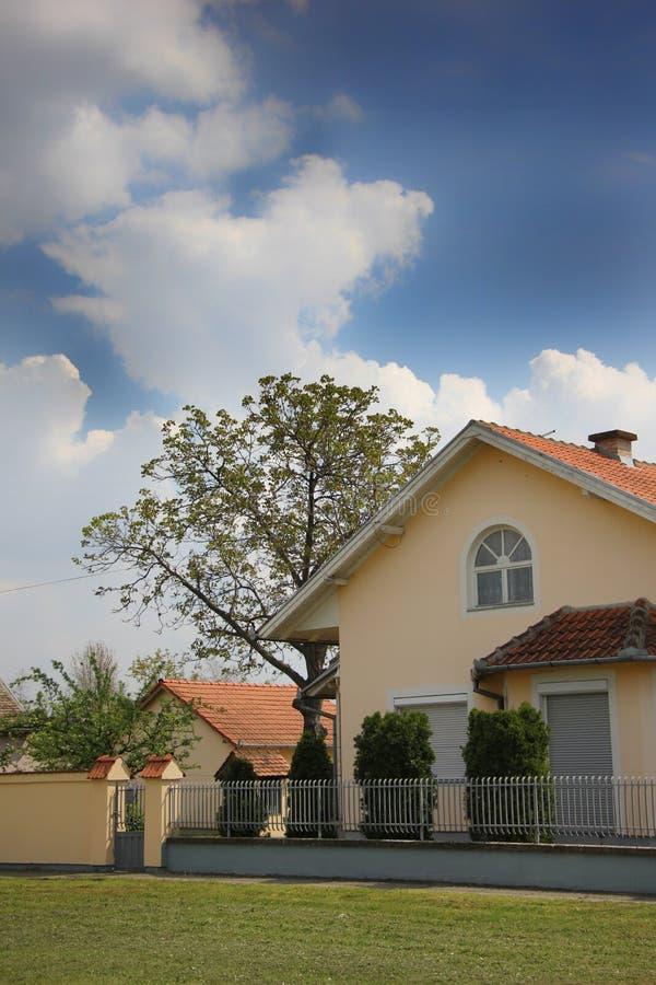 庭院和房子 库存照片