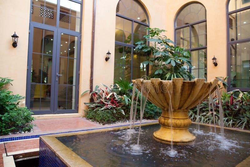 庭院喷泉 库存照片