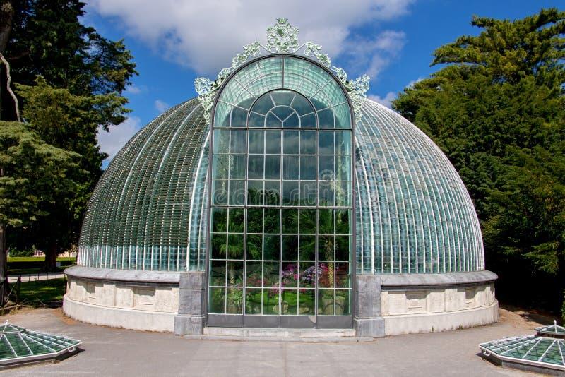 庭院城堡的Lednice一间玻璃温室 图库摄影