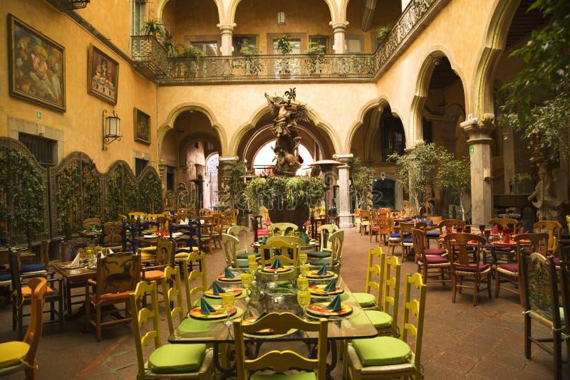 庭院墨西哥墨西哥queretaro餐馆 免版税库存图片